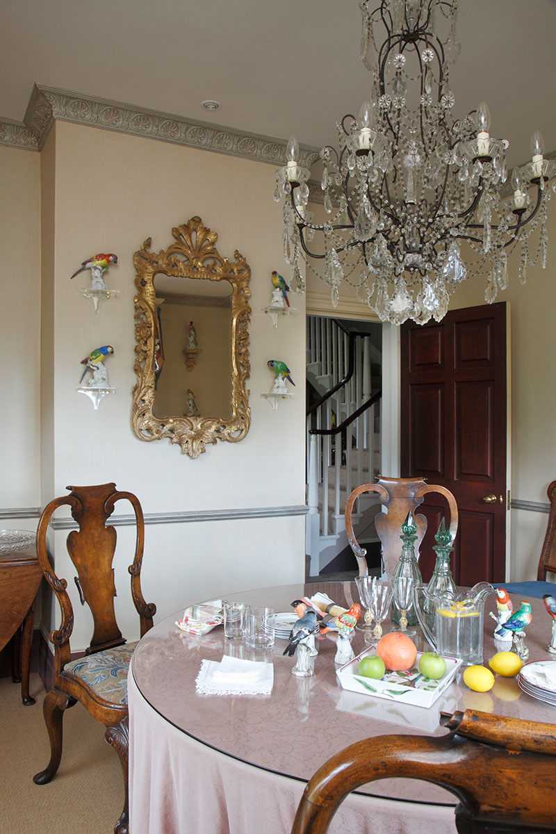 An ornitholgically themed dining room in Surrey.