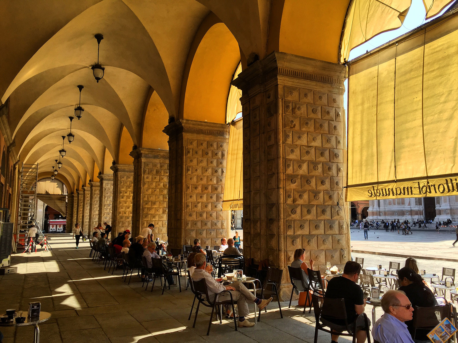 Cafe overlooking the Piazza Maggiore