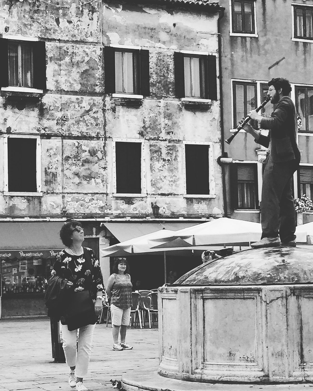 Busker in Campo San Barnaba