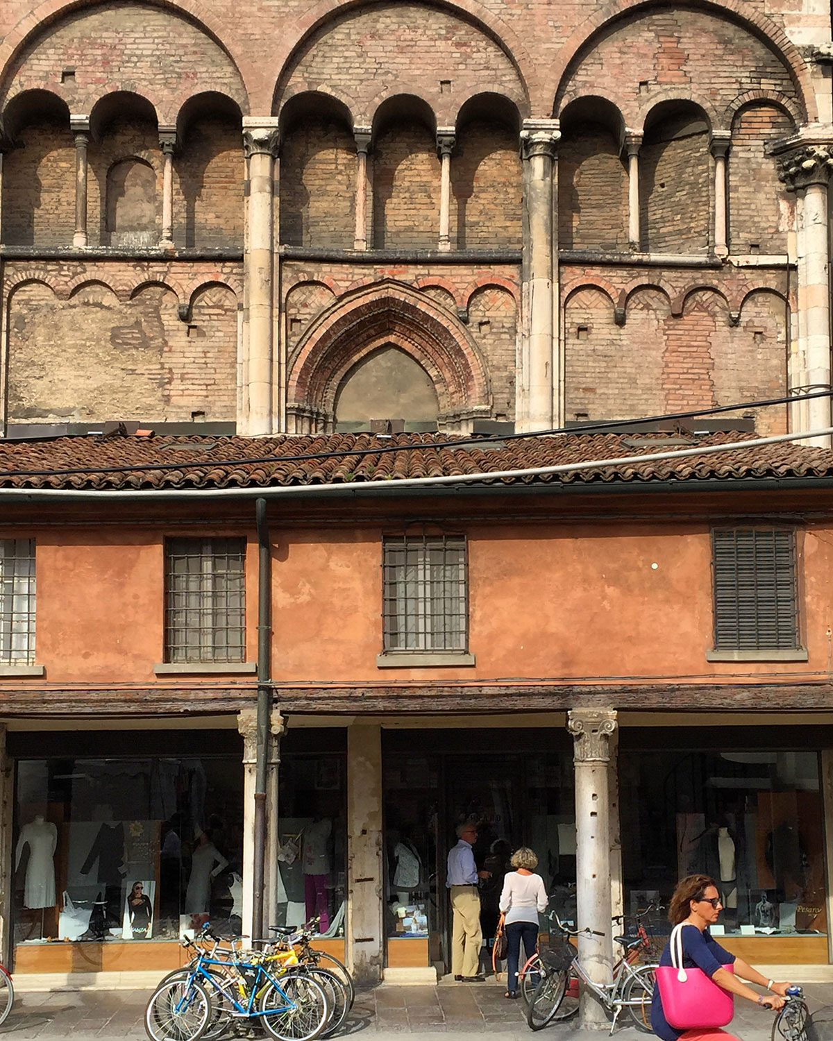 Shops built up against the cathedral walls